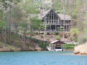 Hardwoods and Dogwoods in Keowee Key