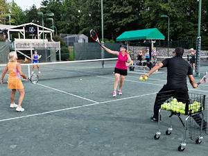 Tennis clinic at Keowee Key